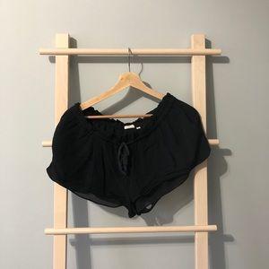 Aritzia Wilfred shorts size M